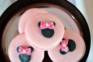 Minnie Mouse Ice Cream Party full of cute ideas via Kara's Party Ideas KarasPartyIdeas.com #minniemouse #partyideas #supplies #birthday #icecream (45)