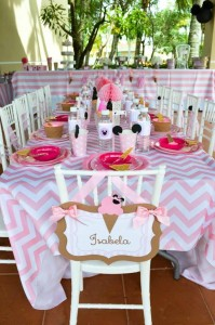 Minnie Mouse Ice Cream Party full of cute ideas via Kara's Party Ideas KarasPartyIdeas.com #minniemouse #partyideas #supplies #birthday #icecream (19)