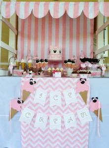 Minnie Mouse Ice Cream Party full of cute ideas via Kara's Party Ideas KarasPartyIdeas.com #minniemouse #partyideas #supplies #birthday #icecream (52)