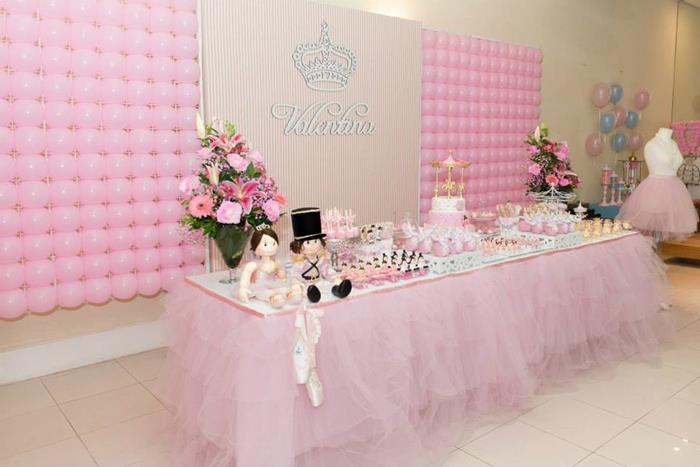 Kara 39 s party ideas ballet themed 1st birthday party via for Ballerina birthday decoration ideas