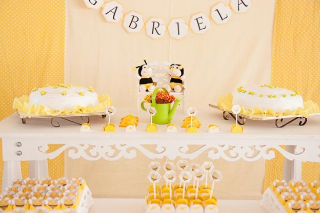 Bee Themed Baby Shower via Kara's Party Ideas | Kara'sPartyIdeas.com #BeeParty #BabyShower #Ideas #Supplies #GenderNeutral (2)