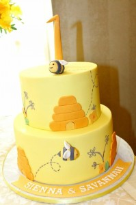 Honeybee Twin 1st Birthday Party via Kara's Party Ideas Kara'sPartyIdeas.com #TwinsBirthdayParty #Bee #Honeybee #Ideas #Supplies #GenderNeutral (12)