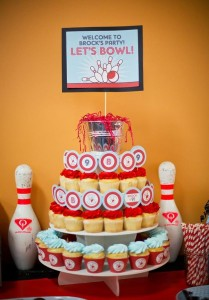 Bowling Themed Birthday Party via Kara's Party Ideas Kara'sPartyIdeas.com #BowlingBall #Strike #Spare #Tween #PartyIdeas #Supplies (7)