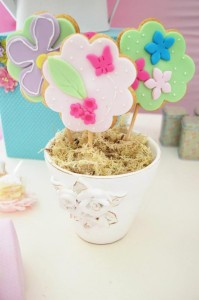 Butterfly Garden Party via Kara's Party Ideas | Kara'sPartyIdeas.com #Butterflies #Shower #Idea #Supplies #Vintage (27)