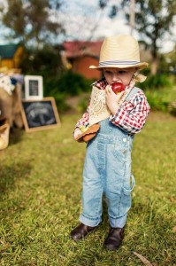 Farm Themed Birthday Party via Kara's Party Ideas | Kara'sPartyIdeas.com #LittleFarmer #Barnyard #FarmParty #Ideas #Supplies (20)