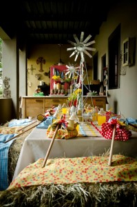 Vintage Farm Party via Kara's Party Ideas | Kara'sPartyIdeas.com #ShabbyChic #Barnyard #Farm #Party #Ideas #Supplies (19)