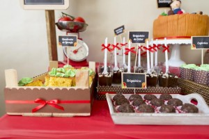 Farmer's Market Themed Birthday Party with Such CUTE IDEAS via Kara's Party Ideas | Kara'sPartyIdeas.com #Farm #Barnyard #Party #Ideas #Supplies (7)