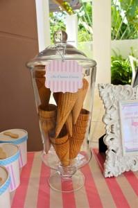 Flamingo Themed Pool Party via Kara's Party Ideas | Kara'sPartyIdeas.com #Summer #PoolParty #Party #Ideas #Supplies (32)