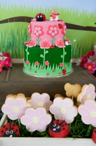 Garden Party via Kara's Party Ideas | Kara'sPartyIdeas.com #GardenParty #Ladybug #GardenParty #Flowers #Ideas #Supplies (17)