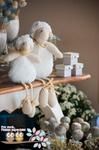 Little Lamb First Birthday Party via Kara's Party Ideas | Kara'sPartyIdeas.com #BabyShower #Birthday #PartyIdeas #Supplies (9)