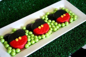 Mickey Mouse Clubhouse Party via Kara's Party Ideas Kara'sPartyIdeas.com #MickeyMouse #MinnieMouse #PartyIdeas #Supplies (32)
