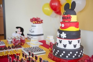 Mickey Mouse Party via Kara's Party Ideas | Kara'sPartyIdeas.com #MinnieMouse #Party #Ideas #Supplies (3)