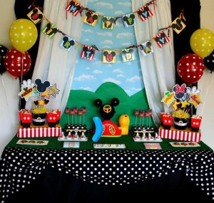 Mickey Mouse Clubhouse Party via Kara's Party Ideas Kara'sPartyIdeas.com #MickeyMouse #MinnieMouse #PartyIdeas #Supplies (41)