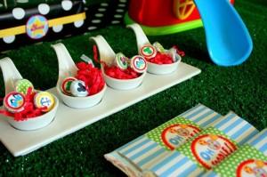 Mickey Mouse Clubhouse Party via Kara's Party Ideas Kara'sPartyIdeas.com #MickeyMouse #MinnieMouse #PartyIdeas #Supplies (22)