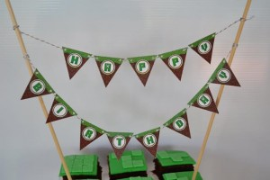 Minecraft Themed Birthday Party via Kara's Party Ideas Kara'sPartyIdeas.com #Gamer #Gaming #PartyIdeas #Supplies (8)