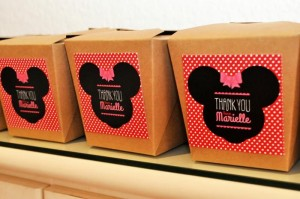 Vintage Minnie Mouse Party via Kara's Party Ideas | Kara'sPartyIdeas.com #Vintage #MickeyMouse #Party #Idea #Supplies (6)