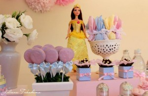 Disney Princess Party via Kara's Party Ideas | Kara'sPartyIdeas.com #DisneyPrincess #PartyIdeas #Supplies #SnowWhite #Cinderella (13)