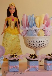 Disney Princess Party via Kara's Party Ideas | Kara'sPartyIdeas.com #DisneyPrincess #PartyIdeas #Supplies #SnowWhite #Cinderella (30)