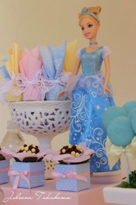 Disney Princess Party via Kara's Party Ideas | Kara'sPartyIdeas.com #DisneyPrincess #PartyIdeas #Supplies #SnowWhite #Cinderella (23)