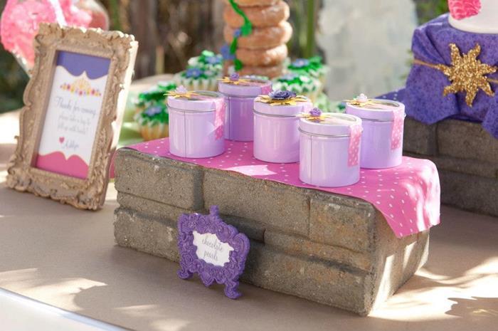 kara u0026 39 s party ideas rapunzel   tangled party with really cute ideas via kara u0026 39 s party ideas