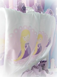 Rapunzel Inspired Birthday Party Full of Cute Ideas via Kara's Party Ideas | Kara'sPartyIdeas.com #Rapunzel #Tangled #Disney #Party #Ideas #Supplies (4)