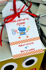 Robot Party via Kara's Party Ideas | Kara'sPartyIdeas.com #Robot #Science #Ideas #Supplies #Cake (15)
