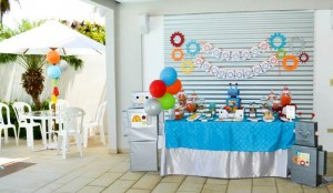 Robot Party via Kara's Party Ideas | Kara'sPartyIdeas.com #Robot #Science #Ideas #Supplies #Cake (13)