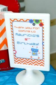 Robot Party via Kara's Party Ideas | Kara'sPartyIdeas.com #Robot #Science #Ideas #Supplies #Cake (34)