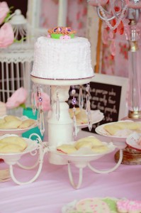 A Mother's Soiree via Kara's Party Ideas | Kara'sPartyIdeas.com #Mother'sDay #Party #Ideas #Decorations #Supplies #Vintage (29)