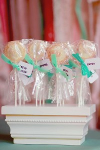 A Mother's Soiree via Kara's Party Ideas | Kara'sPartyIdeas.com #Mother'sDay #Party #Ideas #Decorations #Supplies #Vintage (23)