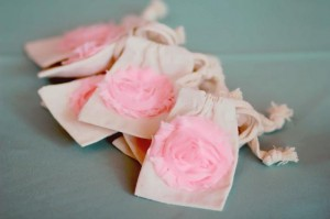 A Mother's Soiree via Kara's Party Ideas | Kara'sPartyIdeas.com #Mother'sDay #Party #Ideas #Decorations #Supplies #Vintage (17)