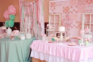 A Mother's Soiree via Kara's Party Ideas | Kara'sPartyIdeas.com #Mother'sDay #Party #Ideas #Decorations #Supplies #Vintage (1)