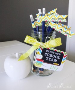 Back to School FREE Printable Teacher's Gift via Kara's Party Ideas | Kara'sPartyIdeas.com #BackToSchool #Ideas #Supplies (2)