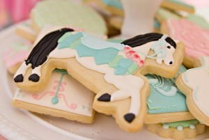 Vintage Pony Soiree via Kara's Party Ideas | Kara'sPartyIdeas.com #Vintage #ShabbyChic #PonyParty #Ideas #Supplies (31)