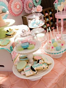 Vintage Pony Soiree via Kara's Party Ideas | Kara'sPartyIdeas.com #Vintage #ShabbyChic #PonyParty #Ideas #Supplies (15)