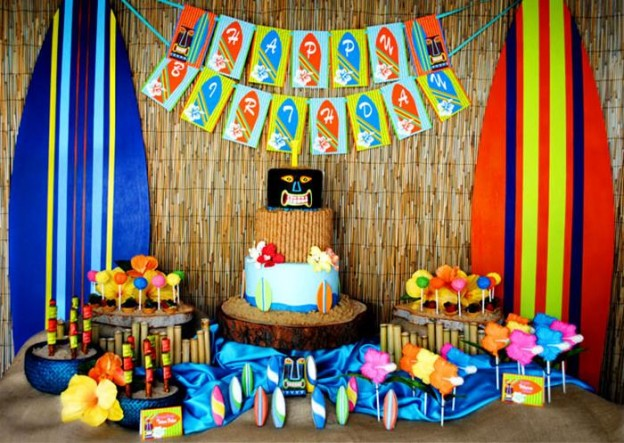 Tiki Luau Party with SO MANY Ideas via KarasPartyIdeas.com #Luau #PartyIdeas #BeachParty #PartySupplies (9)