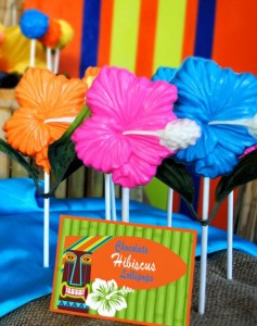 Tiki Luau Party with SO MANY Ideas via KarasPartyIdeas.com #Luau #PartyIdeas #BeachParty #PartySupplies (7)