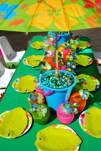 Tiki Luau Party with SO MANY Ideas via KarasPartyIdeas.com #Luau #PartyIdeas #BeachParty #PartySupplies (3)