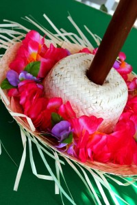 Tiki Luau Party with SO MANY Ideas via KarasPartyIdeas.com #Luau #PartyIdeas #BeachParty #PartySupplies (2)