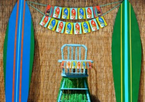 Tiki Luau Party with SO MANY Ideas via KarasPartyIdeas.com #Luau #PartyIdeas #BeachParty #PartySupplies (1)