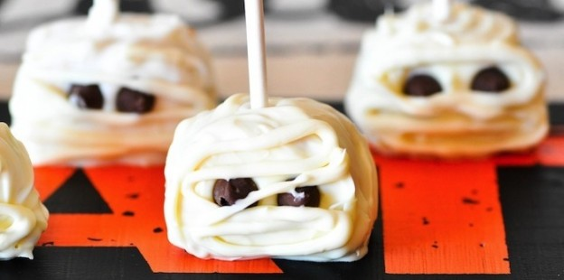 Easy cute and fun Halloween Dessert Ideas via Kara's Party Ideas KarasPartyIdeas.com #halloween #recipes #dessert-137