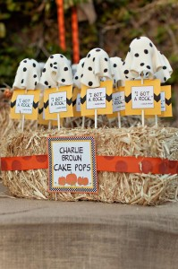 Charlie Brown Great Pumpkin Party with TONS of Ideas via KarasPartyIdeas.com #CharlieBrown #GreatPumpkin #Fall #PartyIdeas #PumpkinParty #PartySupplies (13)