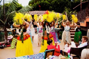Bridal Shower Luau Party via KarasPartyIdeas.com #BridalShower #Hawaii #Luau #PartyIdea #PartyDecorations (12)