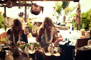 Bridal Shower Luau Party via KarasPartyIdeas.com #BridalShower #Hawaii #Luau #PartyIdea #PartyDecorations (8)