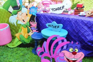 Alice In Wonderland 15th Un-birthday Party Full of Cute Ideas via Kara's Party Ideas | KarasPartyIdeas.com #AliceInWonderland #Unbirthday #Runway #Party #Ideas #Supplies (33)