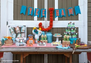 Farm Themed Birthday Party with Lots of Cute Ideas via Kara's Party Ideas | KarasPartyIdeas.com #Farm #Animal #Barnyard #Party #Ideas #Supplies (15)
