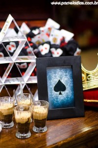 King and Queen of Hearts Party with Lots of Awesome Ideas via Kara's Party Ideas | KarasPartyIdeas.com #AliceInWonderland #OffWithTheirHeads #Party #Ideas #Supplies (7)