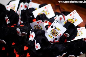 King and Queen of Hearts Party with Lots of Awesome Ideas via Kara's Party Ideas | KarasPartyIdeas.com #AliceInWonderland #OffWithTheirHeads #Party #Ideas #Supplies (4)