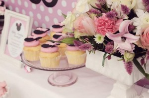Minnie Mouse Birthday Party with So Many REALLY CUTE IDEAS via Kara's Party Ideas | Kara'sPartyIdeas.com #MickeyMouse #MinnieMouse #Party #Ideas #Supplies (20)