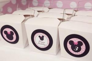 Minnie Mouse Birthday Party with So Many REALLY CUTE IDEAS via Kara's Party Ideas | Kara'sPartyIdeas.com #MickeyMouse #MinnieMouse #Party #Ideas #Supplies (29)